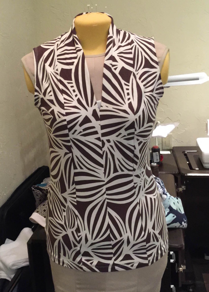 CJ V neck top brown abstract